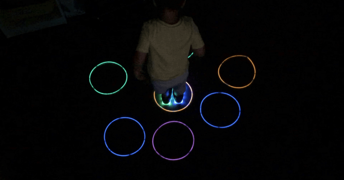 Kids coding: Cause and Effect Activity in the Dark!